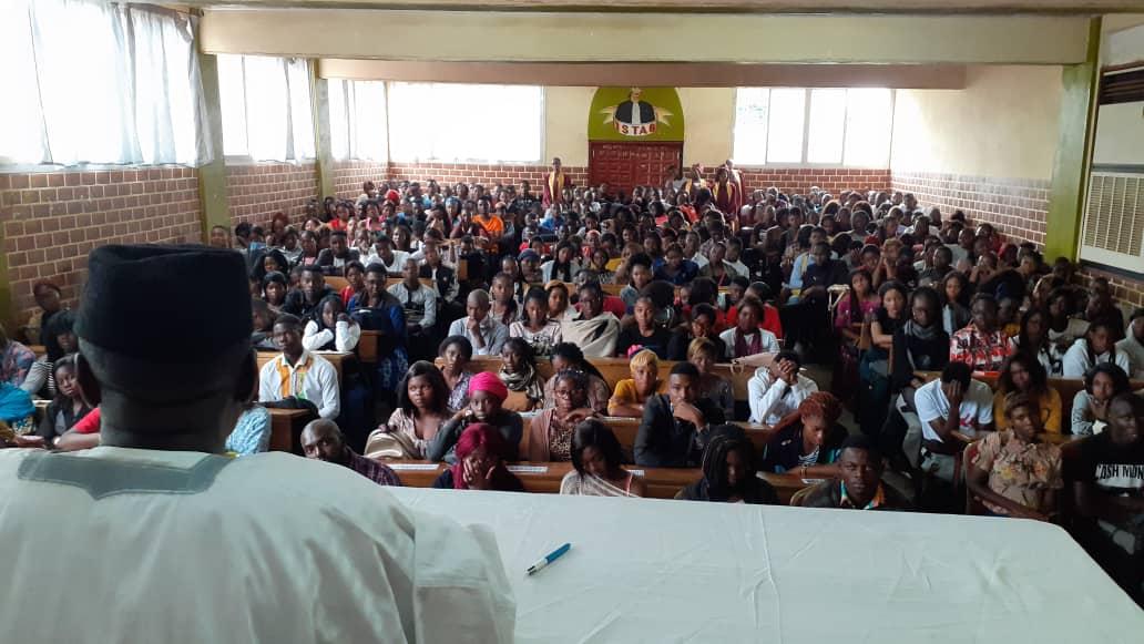 La rentrée académique à l'ISTAG: La Direction déroule le tapis rouge aux nouveaux étudiants.